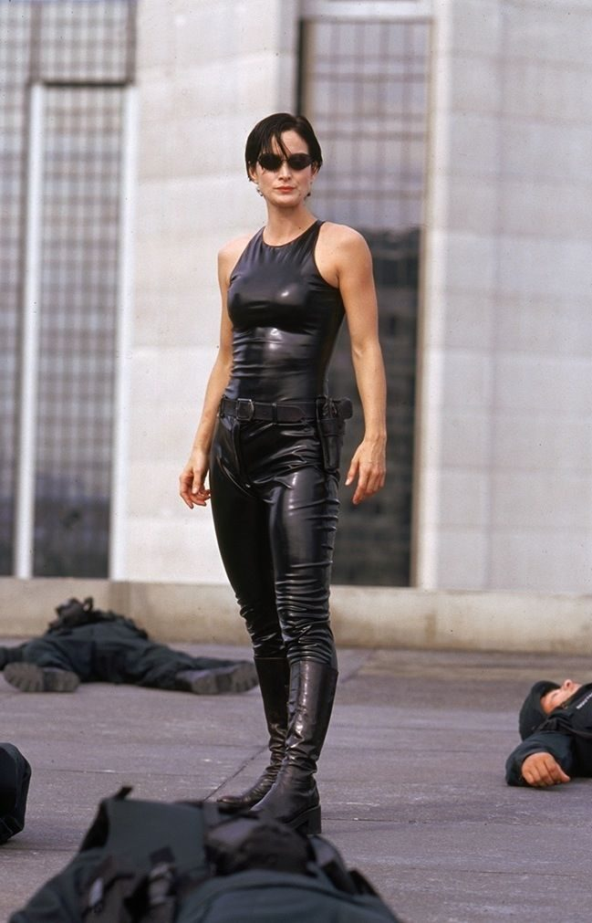 carrie-anne-moss_matrix-outfit