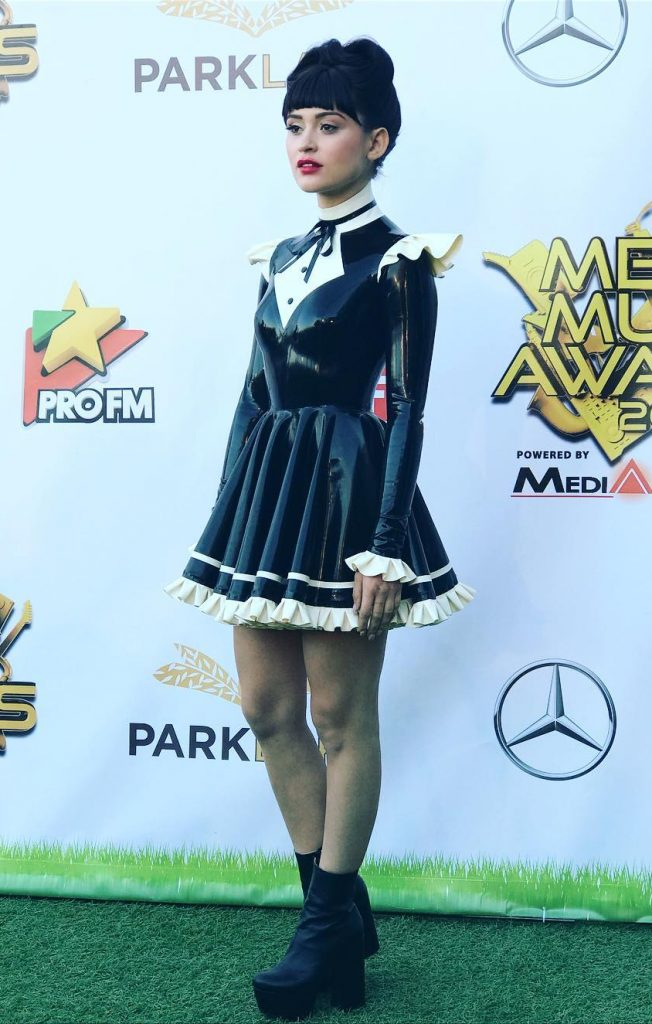 irina rimes - music media awards2017 - latex maid (2)
